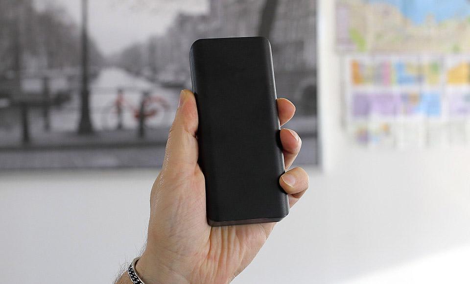 batteria esterna Power Bank 10000mAh fast-charge 2A, Dual USB, Batteria Esterna, nero