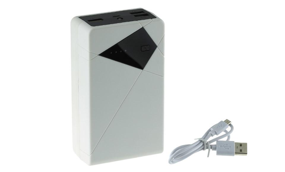 power bank 20000 mAh Power Bank potentissimo con 3 uscite USB Grazie all'elevata capacità ed all'elettronica efficiente, può ricaricare contemporaneamente 3 device: 2 smartphone + 1 tablet